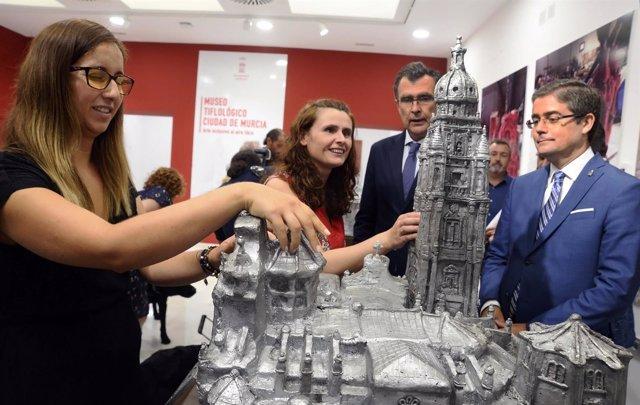 Imagen de la inauguración de 'Nuestro patrimonio en tus manos'