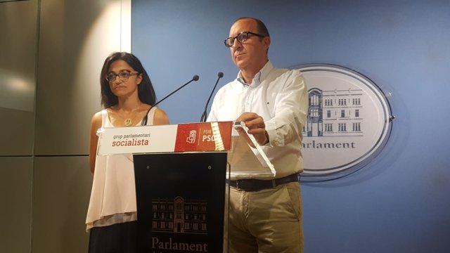 El portavoz del PSIB, Andreu Alcover, y la portavoz adjunta, Maria José Camps