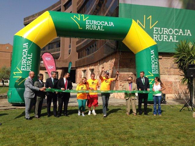 Presentación de la camiseta de la Carrera Solidaria Eurocaja Rural-Grupo Tello