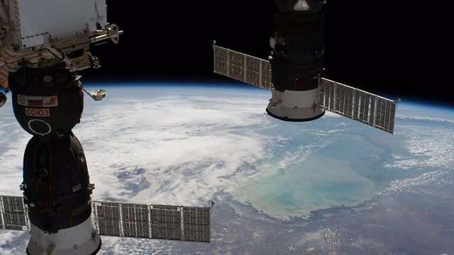Nave Soyuz atracada a la Estación Espacial