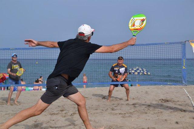 Mas de 300 personas han participado en la Copa de Verano de Tenis Playa 2018.