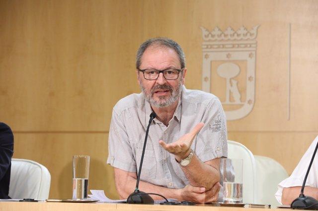 Javier Barbero, en la rueda de prensa