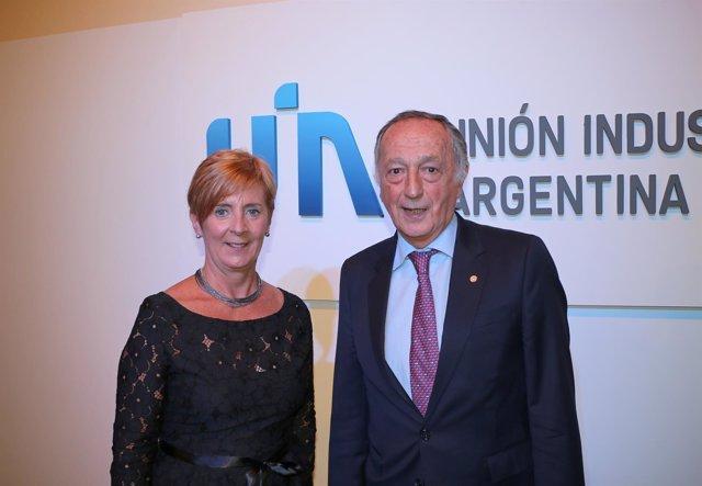 La consejera Tapia con el presidente de la UIA