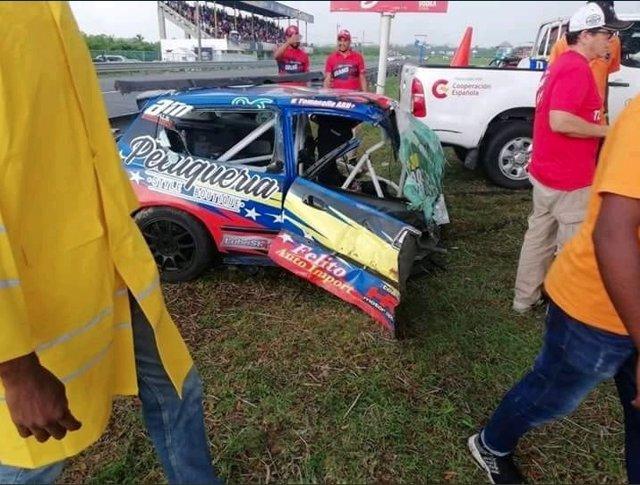 La piloto Valentina Tomasello sufre un aparatoso accidente