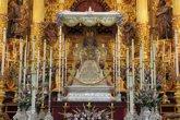 Foto: La Virgen del Rocío luce ya en su paso igual que el día de su coronación canónica hace un siglo