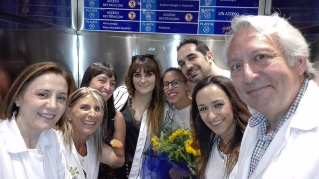 Rozalén visita el Hospital Clínico Universitario 4-9-2018