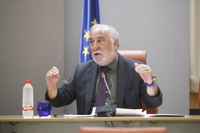 El director general de Tráfico, Pere Navarro, presenta el Balance de Seguridad V
