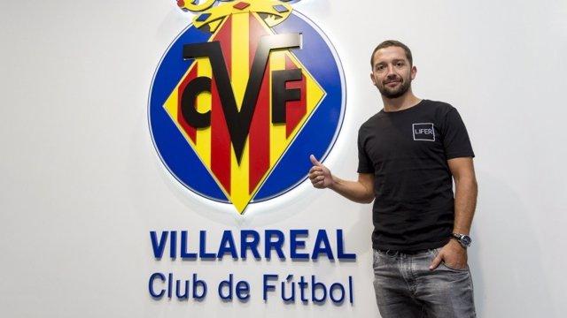 Manuel Iturra firma con el Villarreal