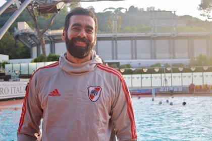 """Charly, el waterpolista argentino que dejó todo por entrenar a un """"gran club"""" español que resultó no serlo"""