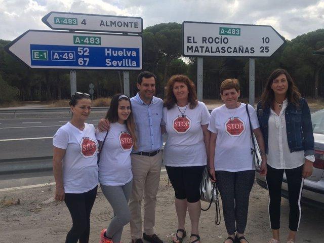 El presidente del PP-A, Juanma Moreno, en Almonte (Huelva).
