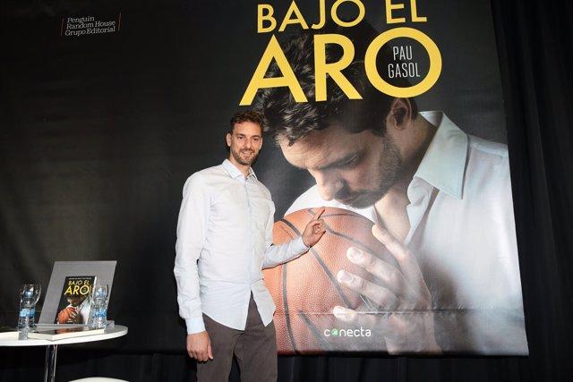 Pau Gasol en la presentación de su libro 'Bajo el aro'