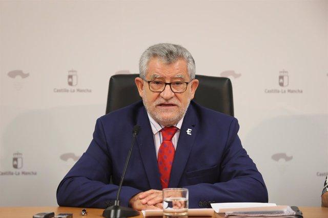 Consejero de Educación, Ángel Felpeto