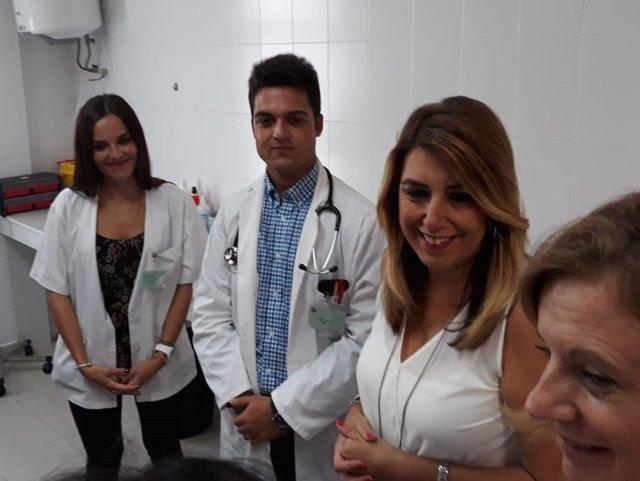 Susana Díaz visita un centro de salud en Garrucha