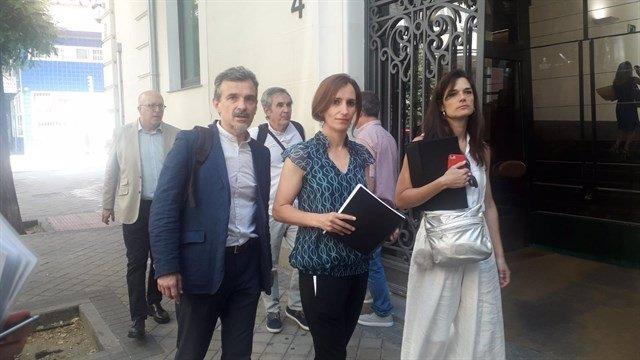 Mónica García, Clara Serra y José Manuel López en la Fiscalía Anticorrupción