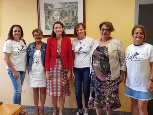 Reyes Maroto se reúne con la Asociación Española de Camareras de Piso