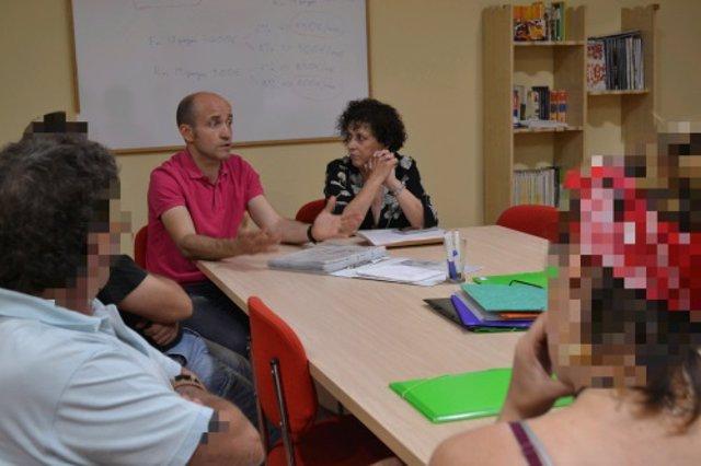 Profesionales sanitarios colaboran con un programa de Cáritas