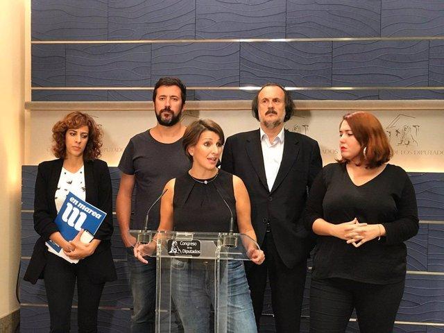 Yolanda Díaz, Alexandra Fernández, Antón Gómez Reino y otros diputados