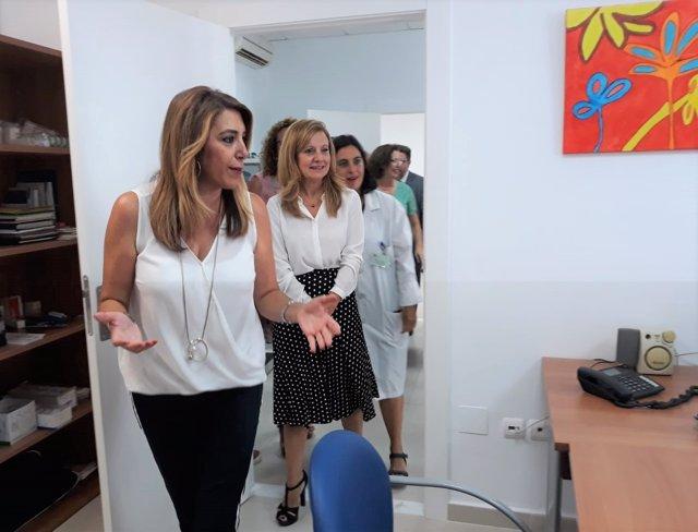 Susana Díaz visita el centro de salud de Garrucha