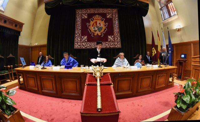 Inauguración del curso de la USC con Antonio López
