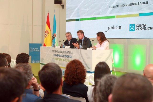 Feijóo participa en la presentación del Plan Básico Autonómico