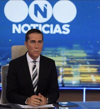Un periodista argentino sorprende en mitad del telediario con un mensaje contra el acoso sexual y se viraliza en redes