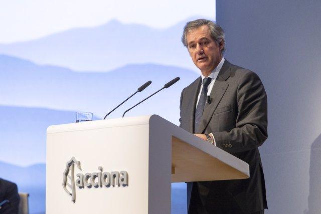 El presidente de Acciona, José Manuel Entrecanales, ante la junta del grupo