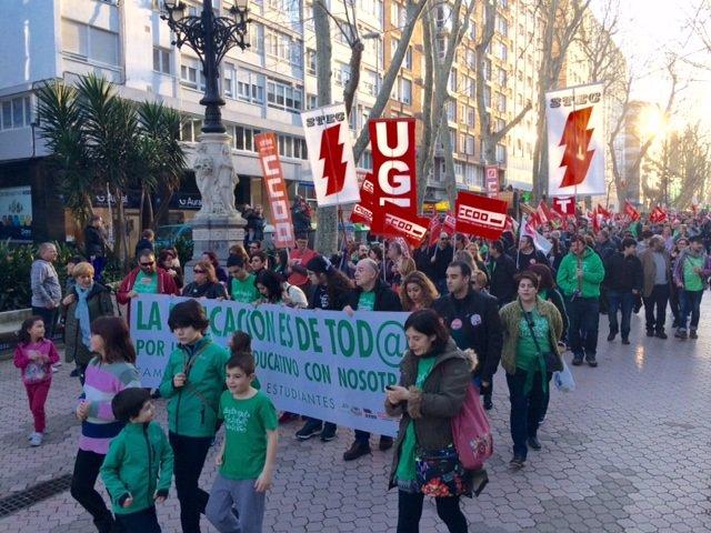 Manifestación educativa en Santander