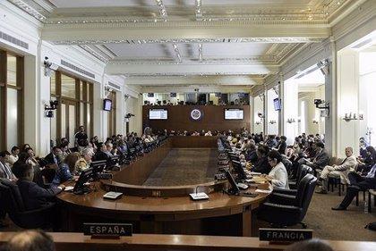 """Almagro anuncia la creación de un grupo de trabajo para """"analizar a fondo"""" la crisis migratoria de Venezuela"""