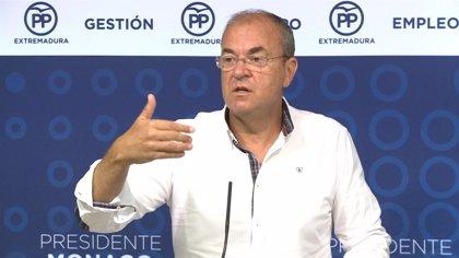 Monago afirma que la mitad del empleo creado en Extremadura en un año es público y vaticina más hasta las elecciones