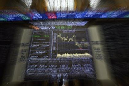 Investigadores comprueban que empresas en el mercado principal de la bolsa tienen menos infravaloración de sus acciones