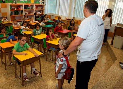 Más del 90% de los padres considera clave las campañas sobre hábitos posturales en los colegios
