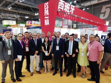 La Región se marca el objetivo de incrementar un 30% sus exportaciones de fruta de calidad al mercado chino