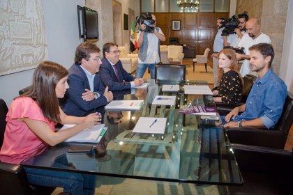 """La Junta y Podemos negocian una nueva renta básica con criterios más objetivos y que aumente """"poco a poco"""" las cuantías"""