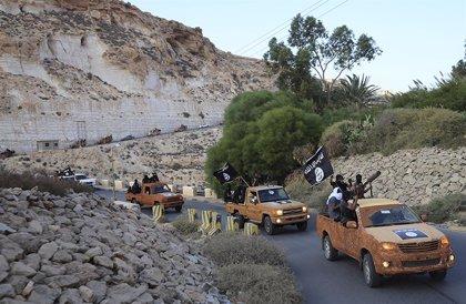 """Francia asegura que Estado Islámico perderá todos los territorios que controla """"antes de finales de año"""""""