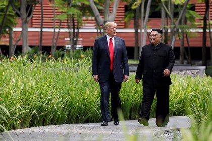 """Trump da las gracias a Kim por decir que mantiene """"intacta"""" su confianza en él y promete trabajar para un acuerdo"""