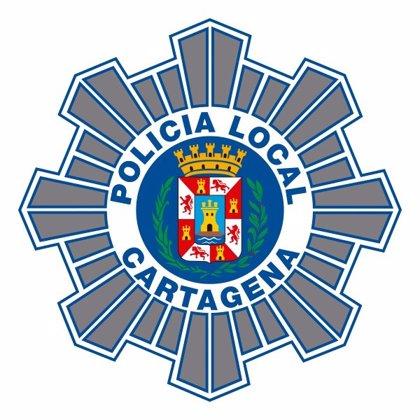 Policía Local de Cartagena identifica a un ciclista ebrio que golpeó a un vehículo estacionado