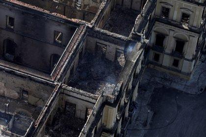 Alemania ofrece ayuda a Brasil tras el grave incendio del museo en Río