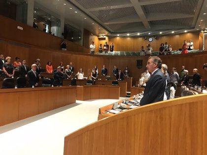 El Pleno de las Cortes de Aragón muestra su repulsa por el asesinato machista de Casablanca con un minuto de silencio