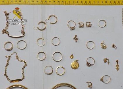 Detenida una vecina de Pliego por la sustracción de joyas a la mujer que cuidaba