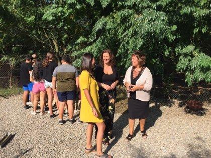 La Diputación de Cádiz visita a los menores participantes del Campamento de Verano de la Junta de los Ríos en Arcos