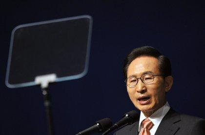 Fiscales piden 20 años de cárcel contra el expresidente de Corea del Sur Lee Myung Bak por corrupción