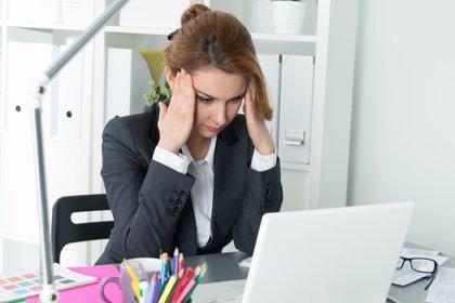 El 74% de los españoles ha ido a trabajar estando enfermo