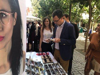 El talento murciano llena de moda y diseño la Plaza del Romea