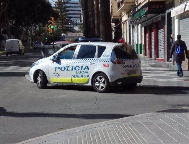 Policía Local de Málaga coche recursos agentes local patrulla calle