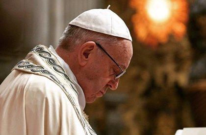 """El Papa asegura que el dinero verdadero se hace con el trabajo, que es lo que da """"dignidad"""" al hombre"""