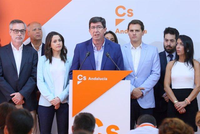 Juan Marín (Cs), flanqueado por Inés Arrimadas y Albert Rivera