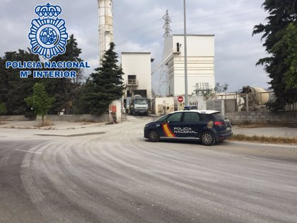 Detenidas dos personas acusadas de sustraer combustible de una nave industrial en Puerto Real (Cádiz)