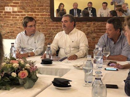 """Almeida reprocha a Carmena la """"propaganda"""" realizada sobre escuelas en Madrid ya que """"no están en funcionamiento"""""""