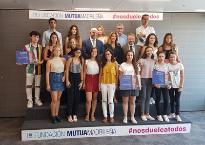 """Estudiantes de Valencia y Barcelona, premios 'Nos duele a todos' contra violencia de género: """"Los micromachismos calan"""""""