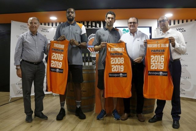 Will Thomas y Rafa Martínez renuevan con el Valencia Basket